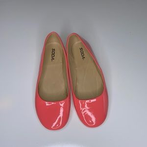 Soda Ballet Patent Leather Flats Neon Pink🍄